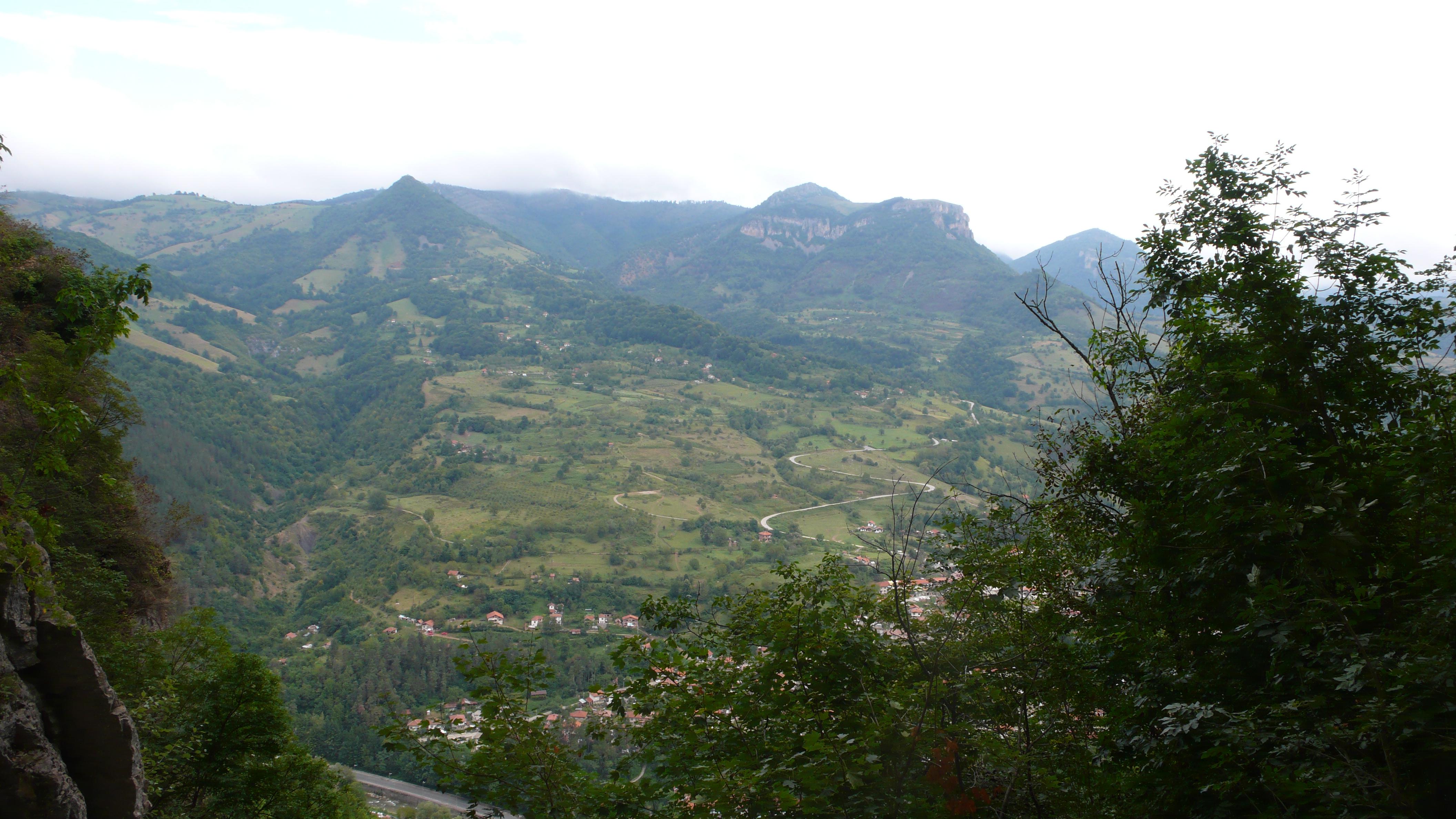 Teteven-view