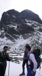 Кратка почивка, която Дамян (вляво) запълва по най-добрия начин - със смешка.