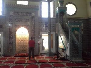 За щастие, красивата ни джамия в момента се реставрира!